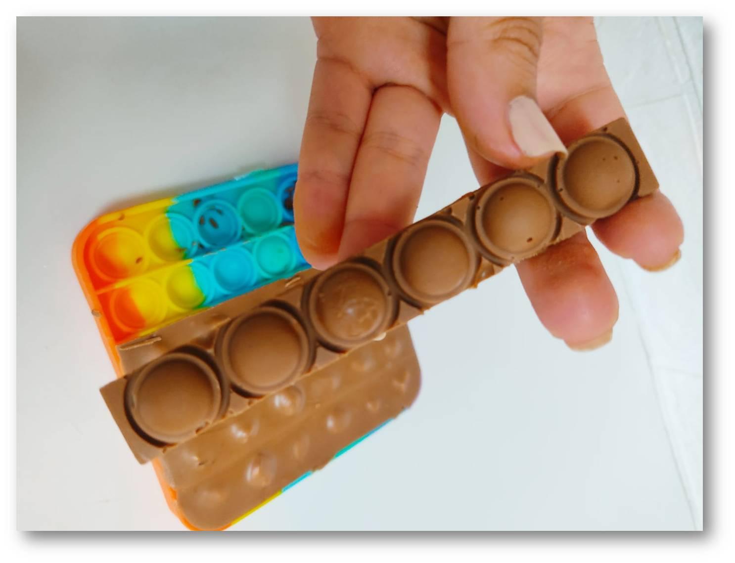 חטיף שוקולד אגוזי מ2 מרכיבים