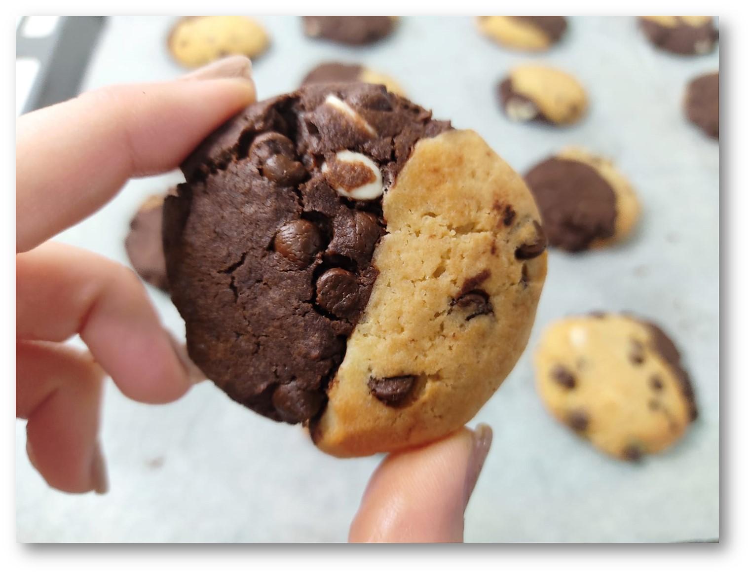 עוגיות שוקולדציפס חצי חצי